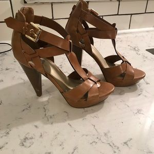 "Guess Women's Camel Colored Heels 3.5"" Size 7.5"
